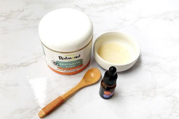 bentonite clay, essential oils and apple cider vinegar